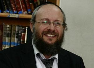 הרב מנחם גולדשטיין:  קודים בתורה- וההבדל בין משה לשאר הנביאים